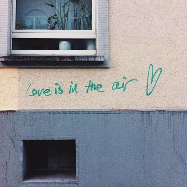 "Streetart Graffiti ""Love is in the air"" Dortmund Saarlandstraße"