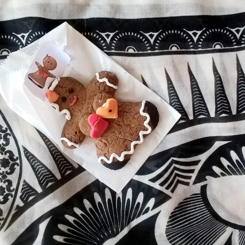 Eine Pfferkuchen-Frau auf einem Tuch von H&M