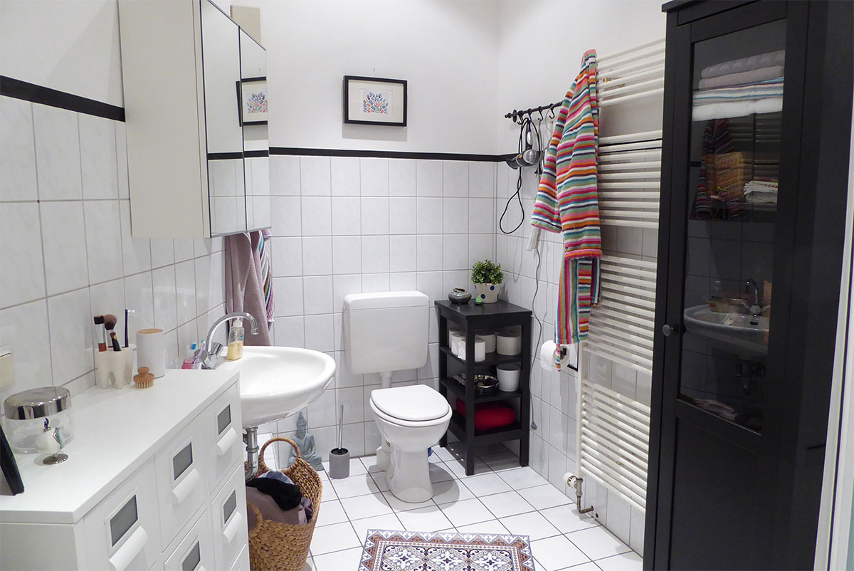 Bathroom with Hemnes cabinet und sprutt drawer