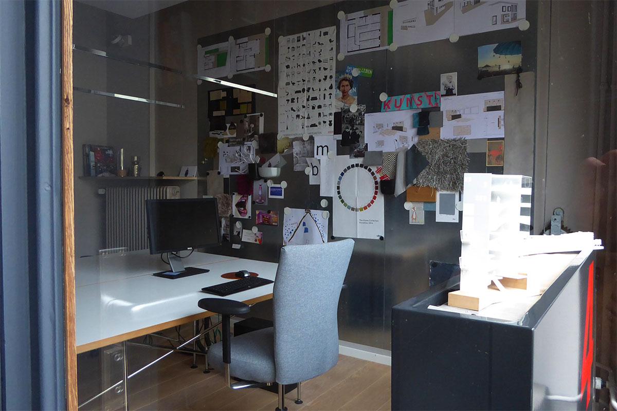 Schaufensterdetail Architekturbüro Beurhausstraße Dortmund