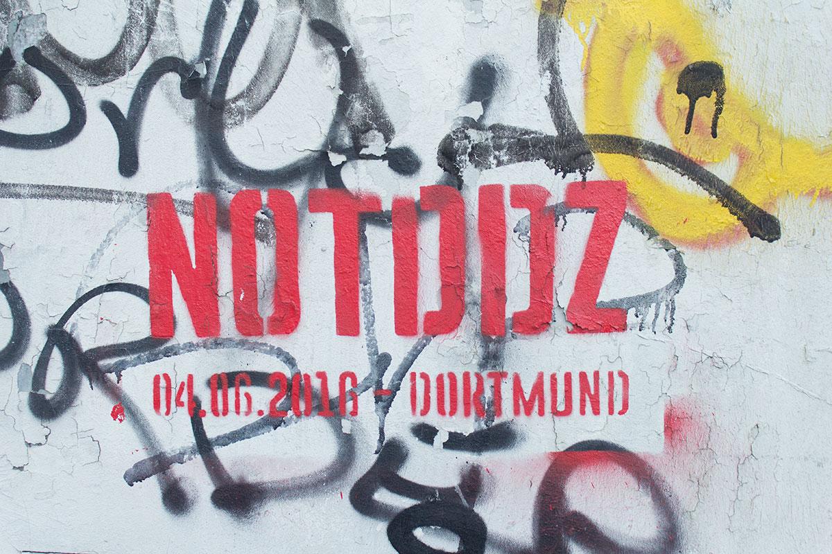 """Grafitti auf einer Häuserwand """"NotDDZ Dortmund"""" aufgenommen im Kreuzviertel Dortmung"""